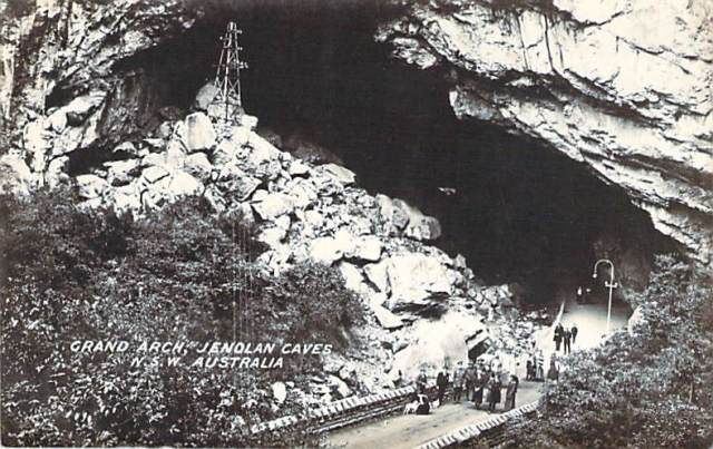 Grand Arch Jenolan Caves Front